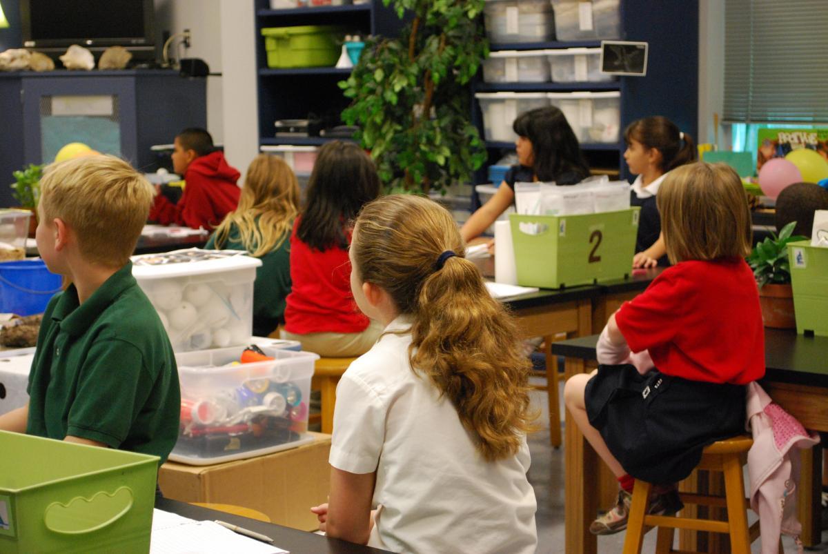 CCOO quiere hacer extensiva esta solidaridad a los y las compañeras docentes.