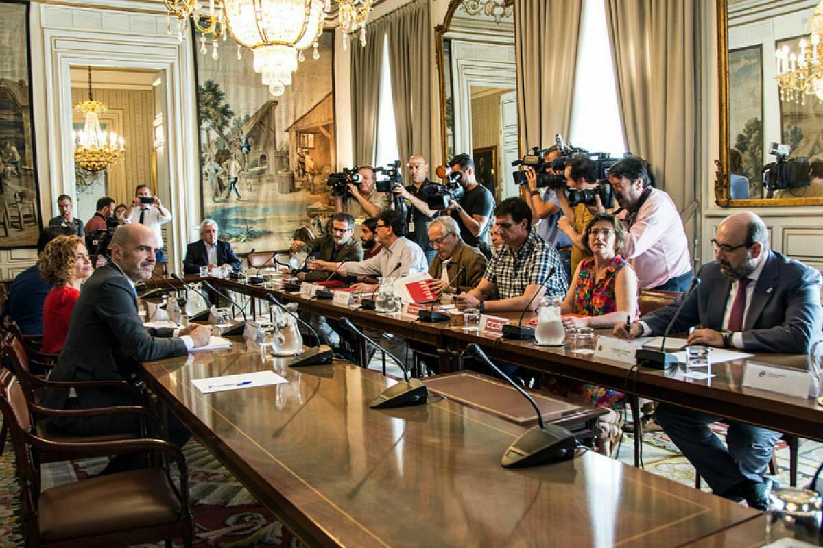 Reunión de agentes sociales con la ministra de Política Territorial y Función Pública, Meritxell Batet (julio 2018)