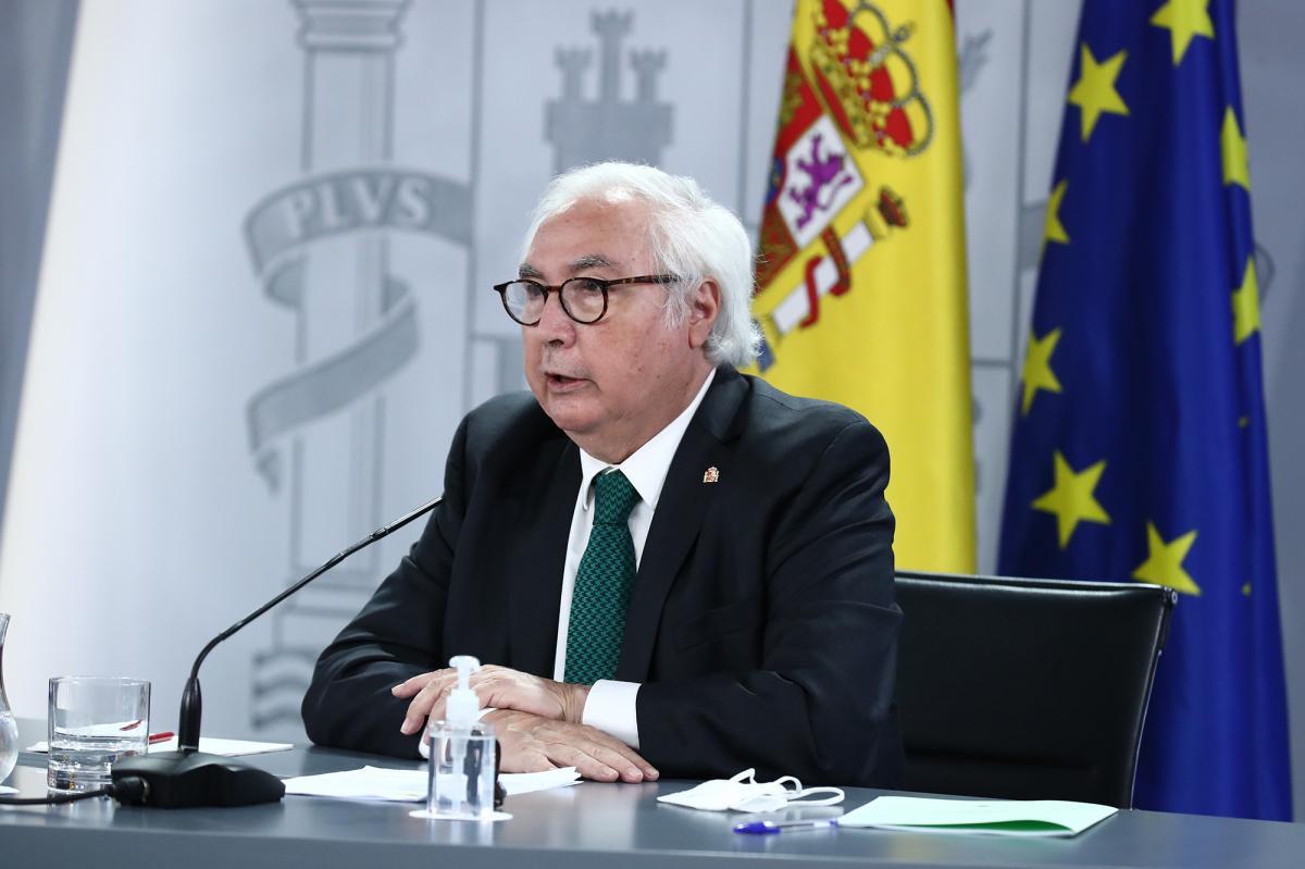 Manuel Castells durante su intervención en rueda de prensa tras la reunión del Consejo de Ministros del 31 de agosto de 2021 (Flickr: La Moncloa - Gobierno de España).